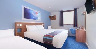 Travelodge Stratford Upon Avon - ستراتفورد ابون آفون - غرفة نوم