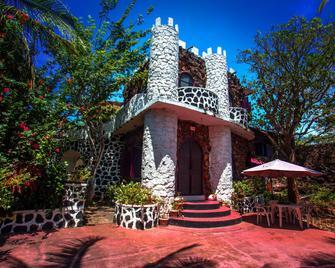 El Castillo Galapagos - Puerto Ayora - Building