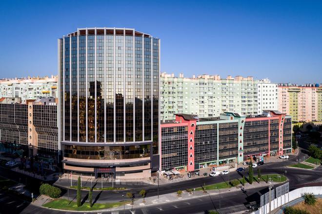Ramada by Wyndham Lisbon - Lisbon - Building
