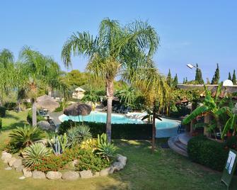 L'arcobaleno Resort - Capo Vaticano - Pool