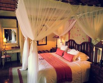Tanamera Lodge - Sabie - Bedroom