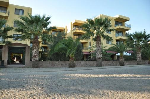 Palm Court Suites - Ayvalık - Building