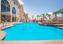 Hawthorn Suites by Wyndham Corpus Christi - Corpus Christi - Pool
