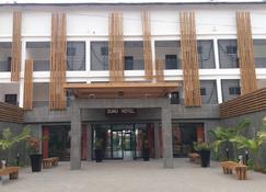 Sunu Hotel (Ex-Sarges Hotel) - Serrekunda - Edificio