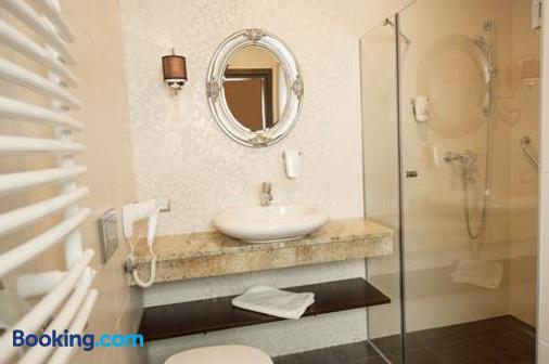 Cottonina Hotel & Mineral Spa Resort - Świeradów-Zdrój - Bathroom