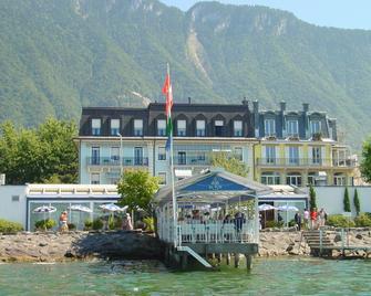 Hotel Du Port - Villeneuve VD - Gebäude