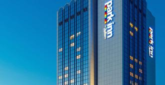 Park Inn by Radisson Kyiv Troyitska - Киев - Здание