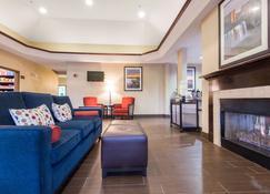 Comfort Suites - Rochester - Living room