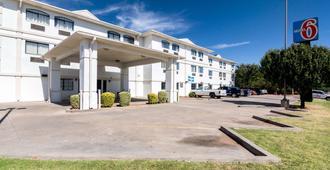 Motel 6 Oklahoma City, OK - Oklahoma City - Building