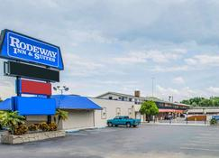 Rodeway Inn & Suites - Winter Haven - Rakennus