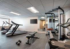 Days Inn & Suites by Wyndham Denver International Airport - Denver - Gym