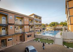 Innophine Hotel 790 - Entebbe