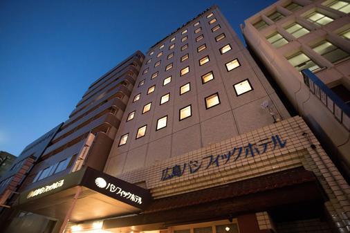 Hiroshima Pacific Hotel - Hiroshima - Building
