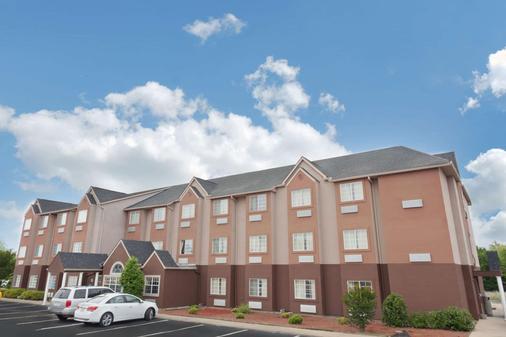 Microtel Inn & Suites by Wyndham Brandon - Brandon - Gebäude