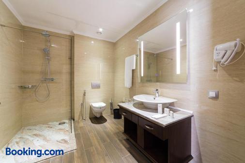 Shera Inn Hotel - Almaty - Bathroom