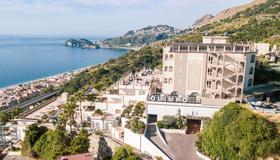 Hotel Olimpo le Terrazze - Letojanni - Building