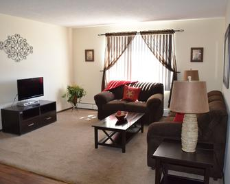 Forest Ridge Apartments - Роулинз - Гостиная