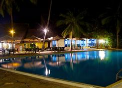 Voyager Beach Resort - Mombasa - Piscina