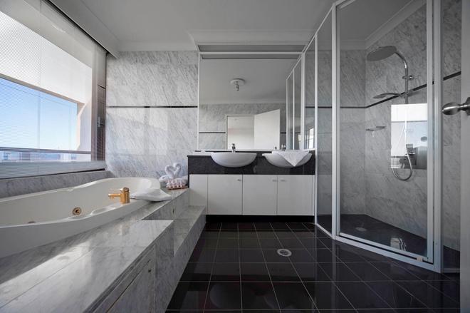 Breakfree Capital Tower Canberra - Canberra - Bathroom