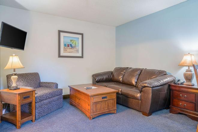 Suburban Extended Stay of Wilmington - Wilmington - Wohnzimmer