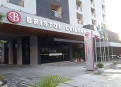 Bristol Evidence - Goiânia - Building