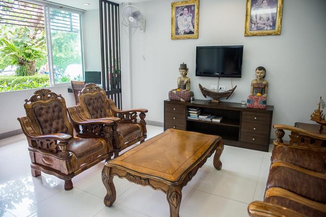 Airport Mansion Phuket - Mai Khao - Stue