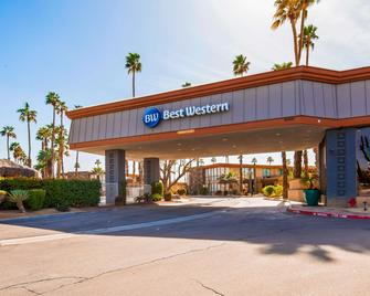 Best Western Date Tree Hotel - Indio - Building