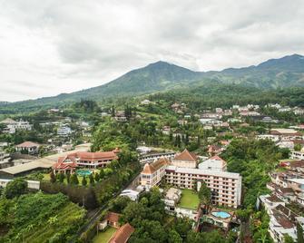 Royal Tretes View Hotel - Prigen - Buiten zicht