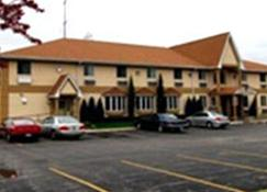 Executive Inn And Suites - Waukegan - Building