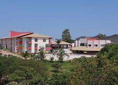 Hotel Bhs - Linhares - Edificio