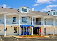Baymont Inn And Suites Smithfield - Smithfield - Building