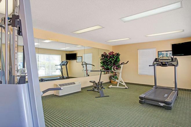 Baymont Inn And Suites Smithfield - Smithfield - Gym