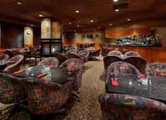 Holiday Inn Hinton - Hinton - Bar