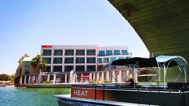Heat Hotel - Lake Havasu City - Building