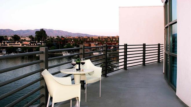 Heat Hotel - Lake Havasu City - Balcony