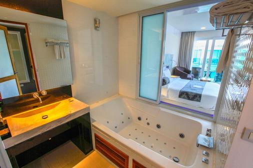 Kc Beach Club & Pool Villas - Ko Samui - Bathroom