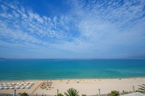 HM Tropical - Palma de Mallorca - Beach