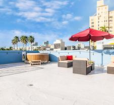 2 Bedroom 2 Bath Loft with Private Rooftop & Jacuzzi