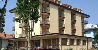 Hotel Devon - Cesenatico - Building