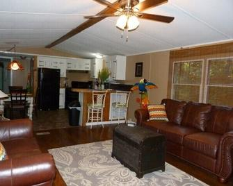 Almost Paradise- Lake Area Rental 1/4 Mile To The Lake And Boat Ramp! - Cadiz