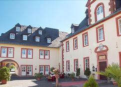 Romantik Schlosshotel Kurfurstliches Amtshaus Dauner Burg - Daun - Building