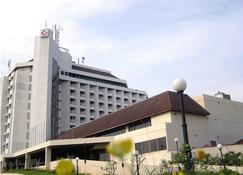 Primula Beach Hotel - Kuala Terengganu - Κτίριο