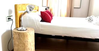 Hostal la Palmera - Barcelona - Bedroom