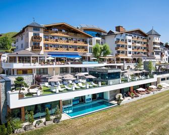 Wellnesshotel Cervosa - Serfaus - Budova