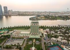 Hotel Holiday International - Sharjah - Priveliște în exterior