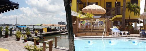Barefoot Bay Resort & Marina - Clearwater Beach - Outdoor view