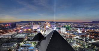 Luxor Hotel and Casino - Las Vegas - Rakennus