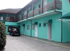Hotel Vitoria Caragua - Caraguatatuba - Building