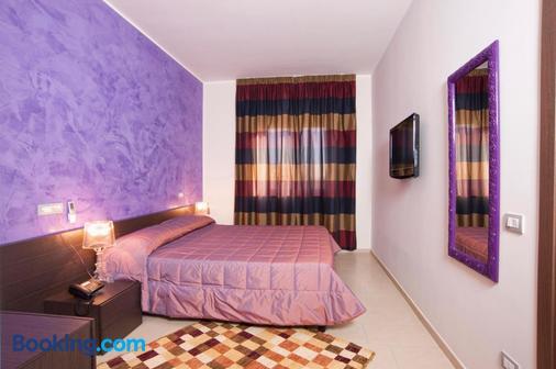 Hotel Massimino - Anguillara Sabazia - Bedroom