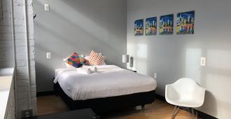 The Local - Queens - Bedroom